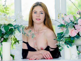 RedheadLea naked photos